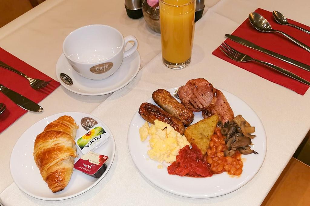 Full English breakfast in Newcastle Jesmond Hotel